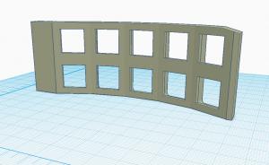 Tinkercad-muokattu pala, jossa kaksi näppäinsaraketta ilman alaosaa ja niin, että oikealta alhaalta puuttuu kulma